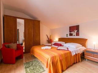 ROOM IVONA private bath,near main bus terminal - Dubrovnik vacation rentals