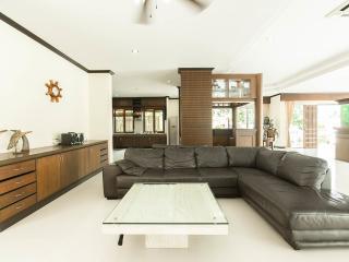 Convenient Villa with Internet Access and A/C - Kathu vacation rentals