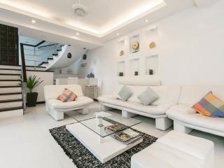 The white villa- private pool- Patong beach - Patong vacation rentals