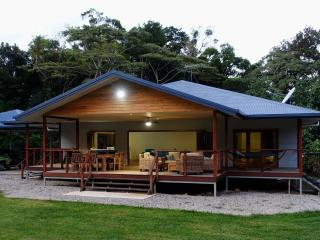 Comfortable 3 bedroom House in Cape Tribulation with Television - Cape Tribulation vacation rentals
