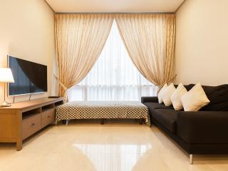 4Mins Walk KLCC Deluxy Suites For 8 - Kuala Lumpur vacation rentals