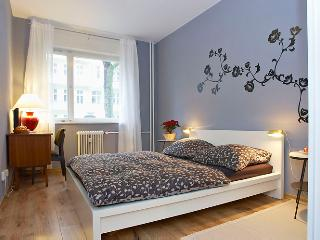 Suarez apartment in center Charlottenburg - Berlin vacation rentals