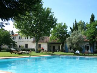 Deluxe apartment at Mas Antonine, Grenouille - Arles vacation rentals