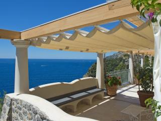 Bright House with Garden and Washing Machine - Conca dei Marini vacation rentals