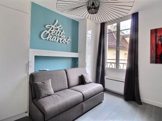 Petit Charlot Modern studio Marais - Paris vacation rentals