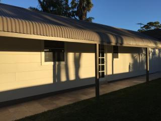 Nice 1 bedroom Miranda Cottage with Internet Access - Miranda vacation rentals