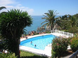 TUHILLO - Nerja vacation rentals