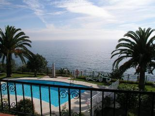 Comfortable 3 bedroom Nerja Apartment with Shared Outdoor Pool - Nerja vacation rentals