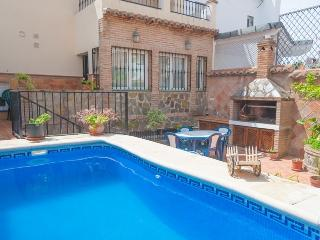 Cozy 3 bedroom Nerja House with Shared Outdoor Pool - Nerja vacation rentals