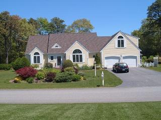 KNOCKOUT HOME WITH CENTRAL AC AND DAZZLING VIEWS OF SHALLOW LAKE! - Centerville vacation rentals