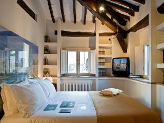 Luxury Trastevere - Michelangelo - Rome vacation rentals