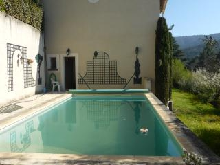 Nice Villa with Internet Access and A/C - Menerbes vacation rentals
