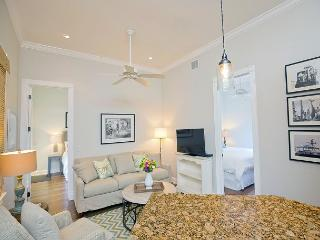 Luxury 2 Bedroom with Full Kitchen - Sleeps 4 - Walk to the Beach & Nightlife - Key West vacation rentals