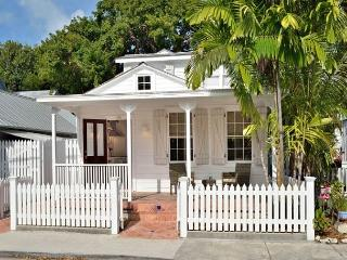 Poppy Cottage: Historic Old Town - Beautiful Renovated Cottage for Two - Key West vacation rentals