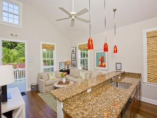 Luxury 1 Bedroom with Full Kitchen - Sleeps 3 - Walk to the Beach & Nightlife - Key West vacation rentals