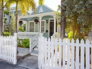 Smuggler's Den: 3 Blocks to Downtown, Walk to Restaurants & Galleries Hot Tub - Key West vacation rentals