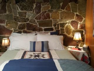 Mia cozy hideaway retreat - Columbia Falls vacation rentals