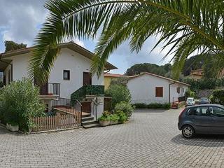 one bedroom apartment Fiori 1 - Procchio vacation rentals