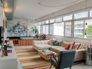 Unique 1 Bedroom Apartment Located in Ipanema - Rio de Janeiro vacation rentals
