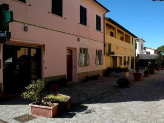 two bedroom apartment Spiaggia 1 - Procchio vacation rentals