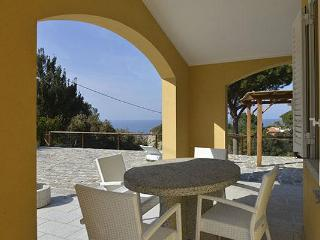 two bedroom apartment Orizzontino - Sant'Andrea vacation rentals