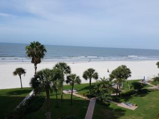 Redington Towers 1 Beachfront 2 Bedroom Condo - Redington Shores vacation rentals