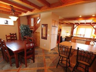 Big White Black Bear 3 Bedroom Townhome with Private Hot Tub! - Big White vacation rentals
