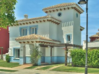 Holiday villa with private pool and garden. - Torre-Pacheco vacation rentals