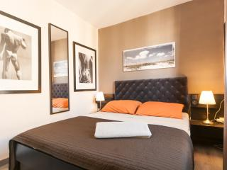 Very quiet Apart. downtown  (close Ramblas) - Barcelona vacation rentals