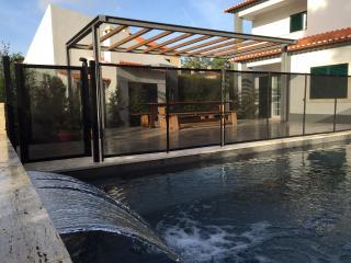 Villa May - The serenity of Sintra's coastline - Colares vacation rentals