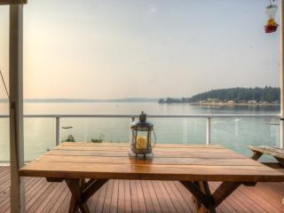 Island Living in Gig Harbor-- 200 ft waterfront - Gig Harbor vacation rentals