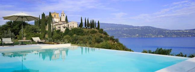 Villa Laise and view of Garda lake - villa laise - Torri del Benaco - rentals