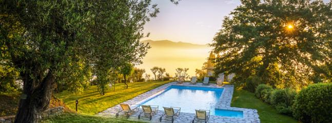 swimming pool with dramatic view - ada - Spedalicchio - rentals