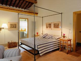 Beautiful 4 bedroom Reggello Villa with Internet Access - Reggello vacation rentals