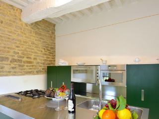Nice Villa with Washing Machine and Microwave - Colle Umberto I vacation rentals