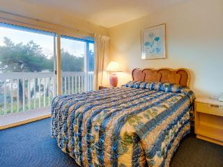 Lower-level studio w/ocean views - dogs welcome! - Lincoln City vacation rentals