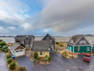 Bayfront, pet-friendly home w/private hot tub, room for 14! - Lincoln City vacation rentals