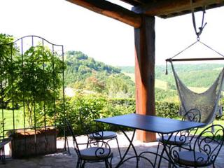 Nice Villa with Shared Outdoor Pool and Washing Machine - Monte Castello di Vibio vacation rentals