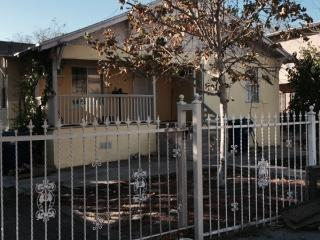 3 BDR House NoHo district Universal - Los Angeles vacation rentals