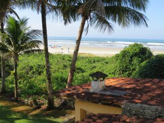 Guaratuba Bertioga  Pé na Areia Tranquilo - Seguro - Bertioga vacation rentals