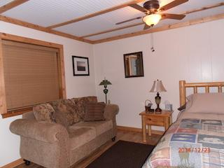 Cozy in town Condo 4, sleeps 2 with full kitchen - Red River vacation rentals