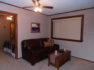 Cozy in town Condo 10, sleeps 4 with full kitchen - Red River vacation rentals