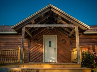 Cozy 2 bedroom Cabin in Carbondale - Carbondale vacation rentals