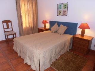 Casa Cunha (3 rooms - 5 people) - Santarem vacation rentals