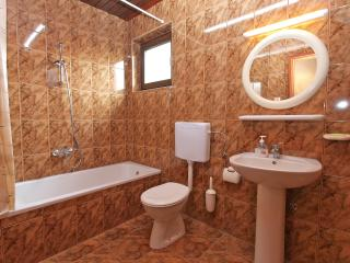 Cozy 2 bedroom Condo in Banjole with Internet Access - Banjole vacation rentals