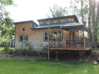 Nice House with DVD Player and Ceiling Fans - Tonasket vacation rentals