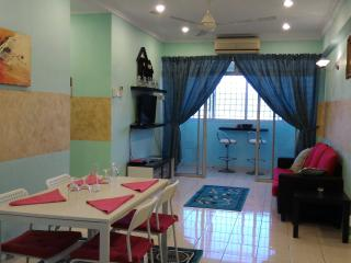 Anakkita Homestay Ariana@Bangi (for Muslim) - Bangi vacation rentals