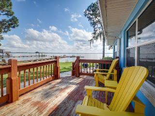 Lake June condo w/free boat slips - swim, fish, sail! - Lake Placid vacation rentals