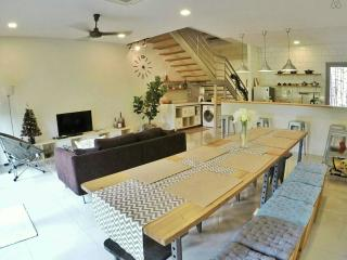 Silverowl Holiday Home, Sleeps 10 - Kuching vacation rentals