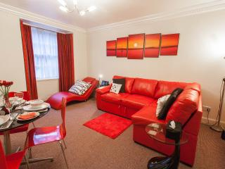 Very Central City Apartment Dublin Street : WiFi - Edinburgh vacation rentals
